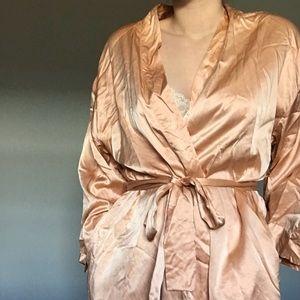 V I N T A G E | Victoria's Secret Silk Peach Robe